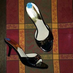 New Michael MK Patent Leather Peeptoe Kitten Heel